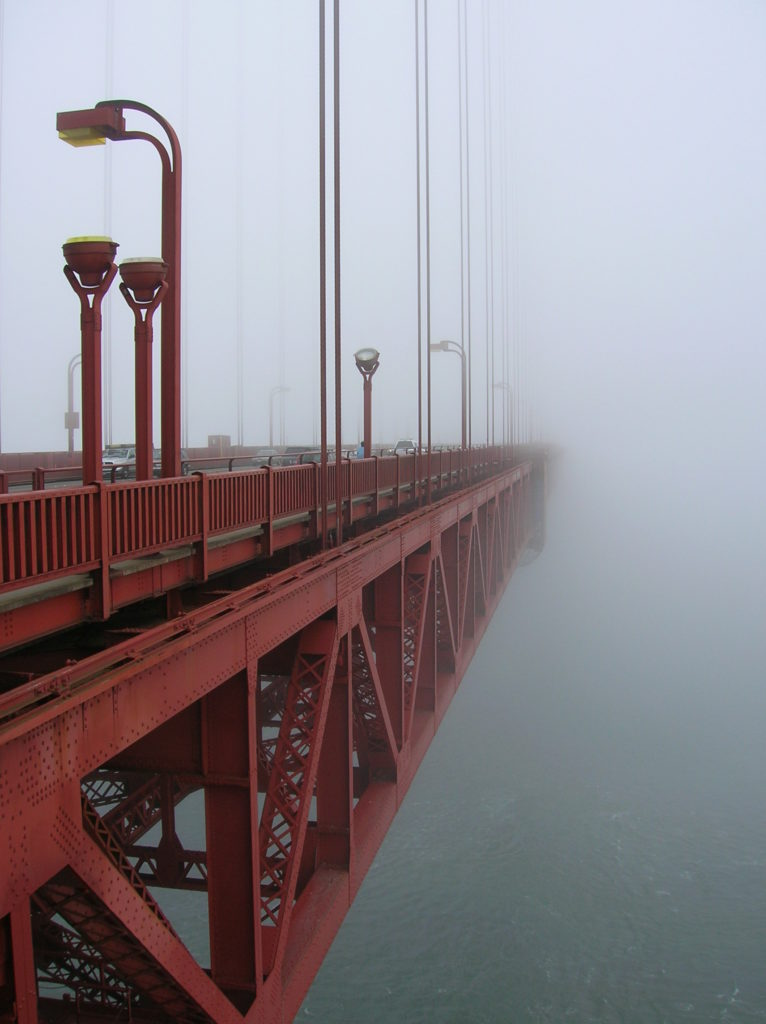 Morning_Fog_at_GGB